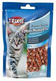 Лакомство для котов с кошачьей мятой, курицей и тунцом Trainer Snack Mini Nuggets Трикси 42741